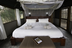 sambia-busanga-bush-camp-1