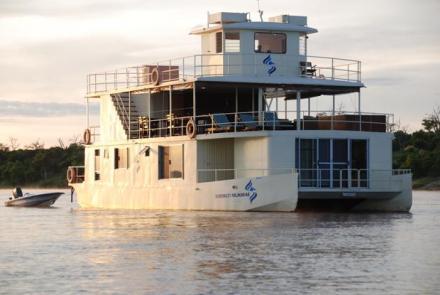 Botswana – Ichobezi Safariboat