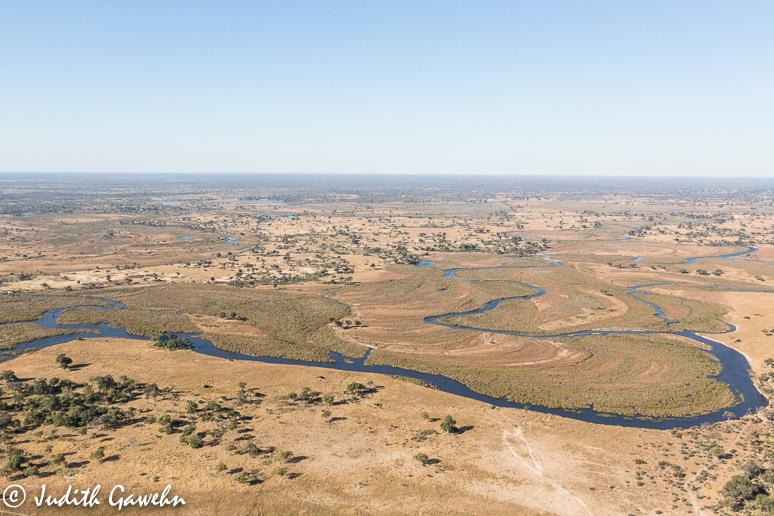 Die ersten Bilder entstehen in der Luft, bei dem Flug ins Okavango Delta.